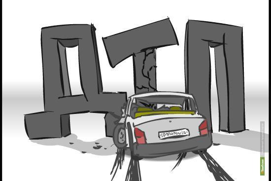 В Тамбове троллейбус столкнулся с легковушкой