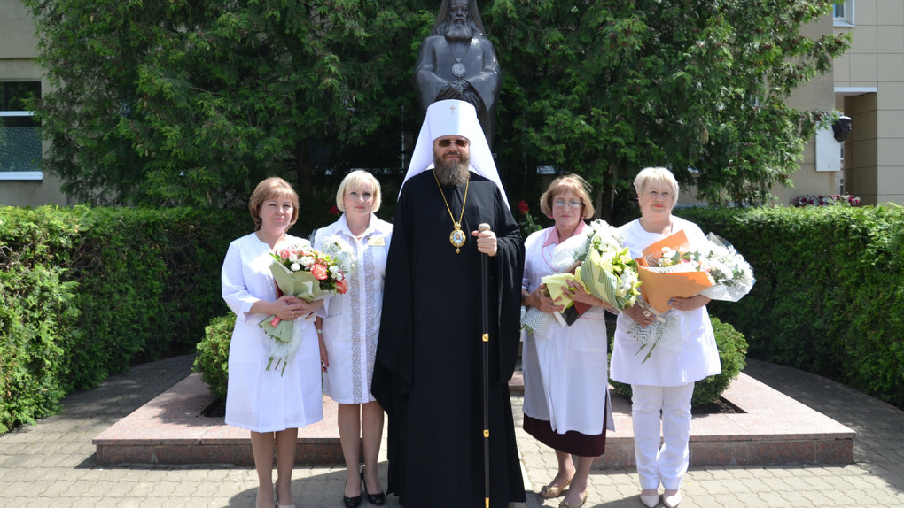 Врач, медсестра и регистратор получили премии Архиепископа Луки
