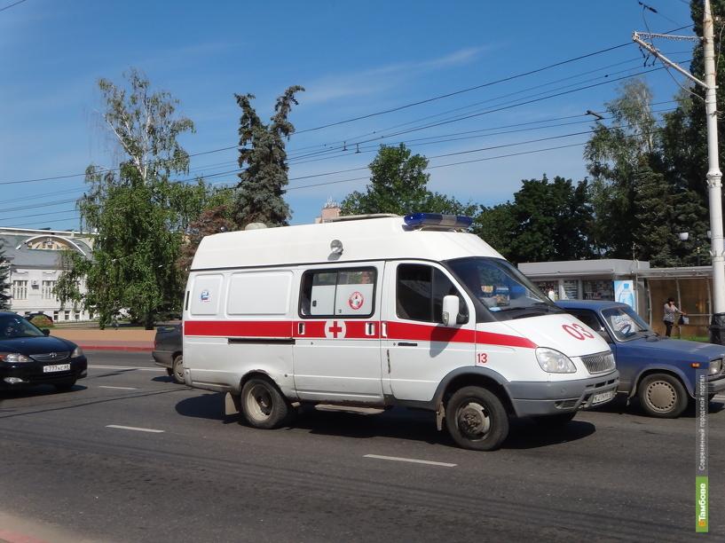 В Тамбовском районе на трассе перевернулся Hyundai Solaris