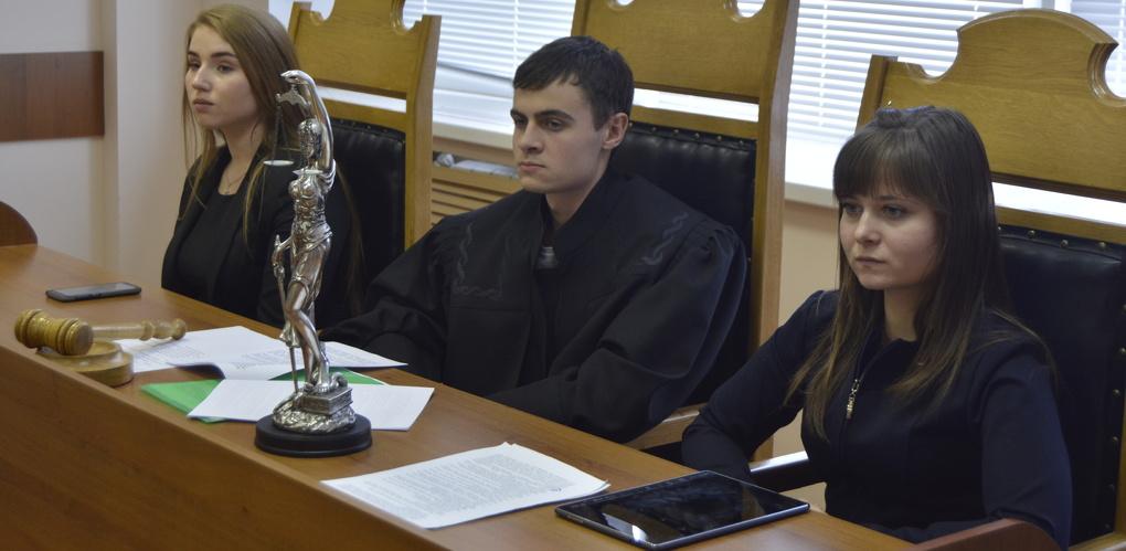 Студенты Тамбовского филиала РАНХиГС провели деловую игру для школьников