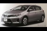 Новая Toyota Auris засветилась вся и со всех сторон