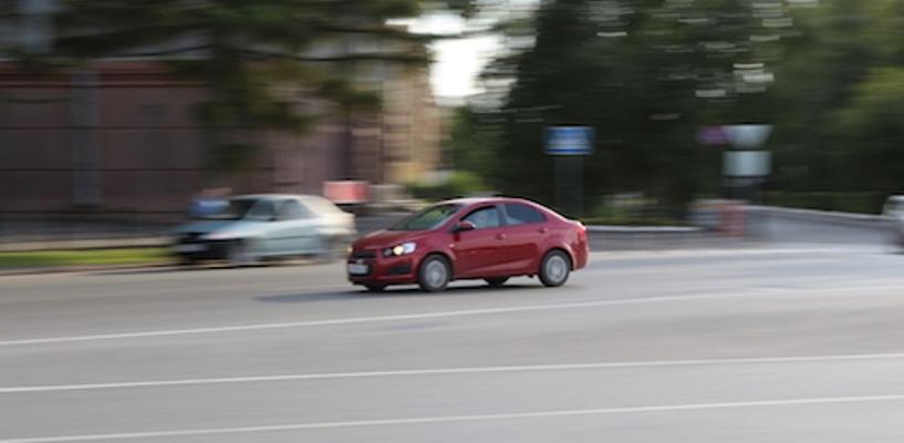 Самым популярным типом кузова у автомобилистов назвали седан