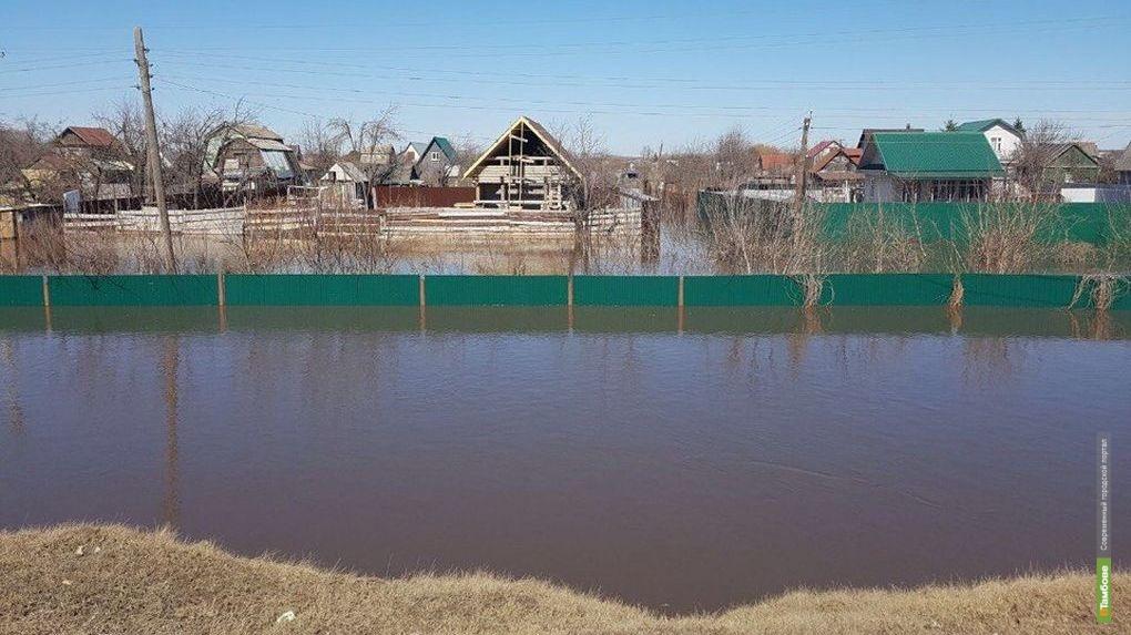 Без шашлыков: по обе стороны Рассказовского шоссе разлилась вода