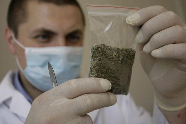 В минувшие сутки в Тамбове задержали двух горожан с марихуаной и амфетамином
