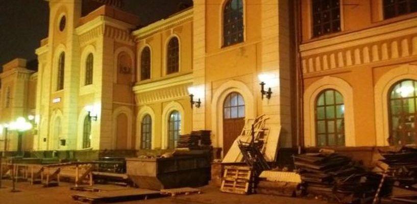 На железнодорожном вокзале Тамбова приступили к реконструкции фасада