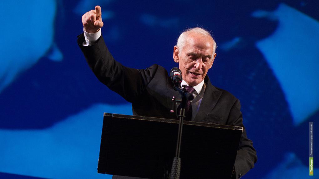 Василий Лановой провел на сцене драмтеатра патриотическую акцию «Спасибо за Верность, потомки!»