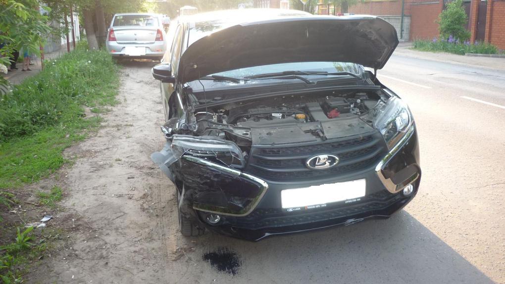 Сбила велосипедиста и врезалась в другой автомобиль: ДТП в Мичуринске