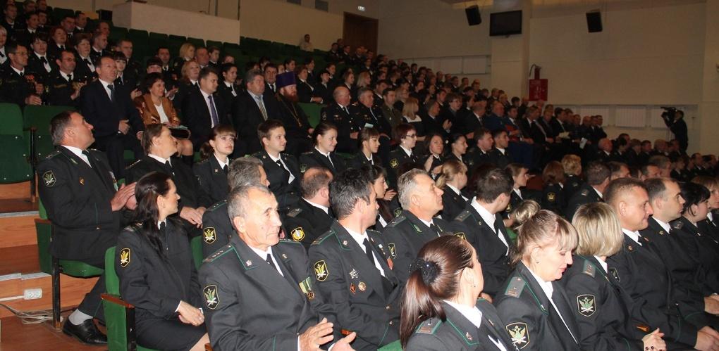 Судебные приставы пополнили бюджет области на 367 миллионов рублей