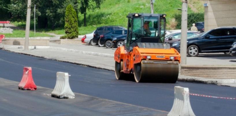 На ремонт дорог в области правительство выделило более 80 миллионов рублей