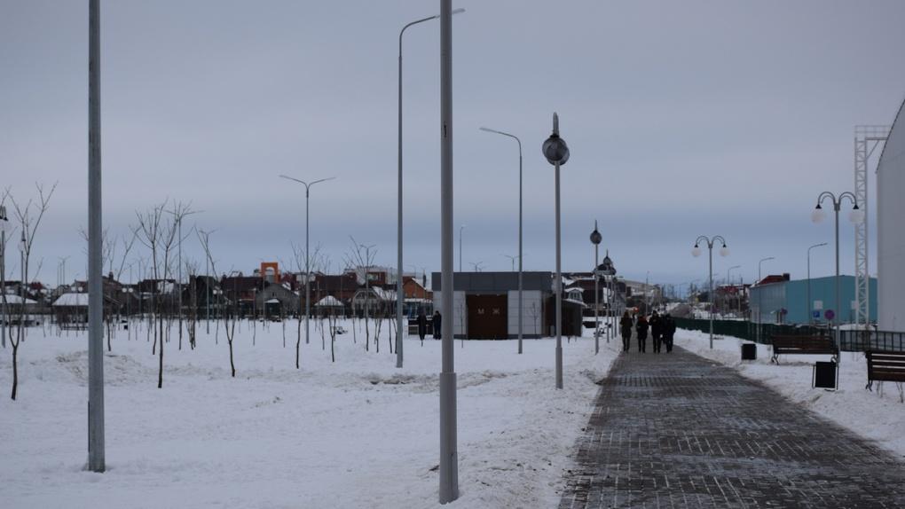Глава города «прикрыла» самодельную горку в Олимпийском парке. Жители очень недовольны
