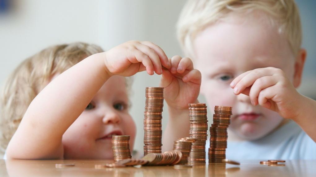 Уже 35 семей в Тамбовской области получают выплату на первенца в размере 8 с лишним тысяч рублей