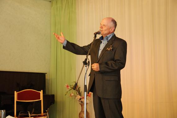Юрий Томилин устроил в «Молодёжке» вечер при свечах