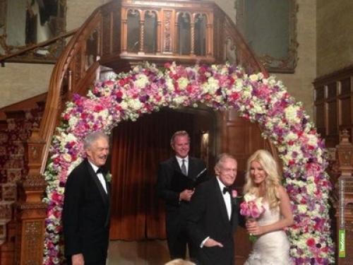 86-летний основатель Playboy Хью Хефнер женился на 26-летней Кристалл Харрис