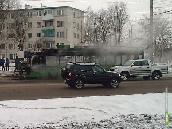 Собратьев сгоревшего накануне троллейбуса снимут с маршрутов