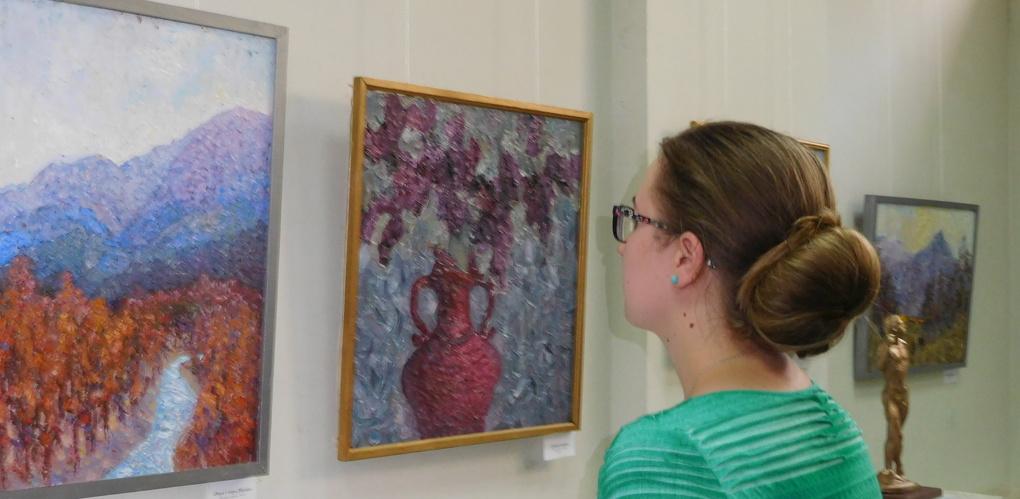 Большая персональная выставка Дениса Козловского «Экспрессивный реализм» открылась в Доме художника