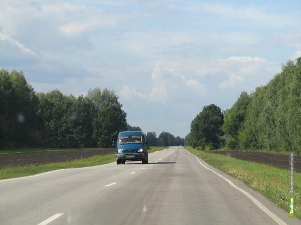 Прокуроры заставили дорожников отремонтировать трассу