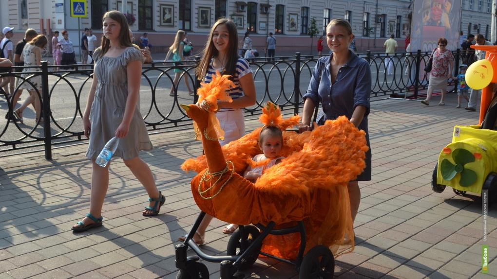 Жар-птица, пираты, принцесса. Кто стал победителем Парада колясок-2019?