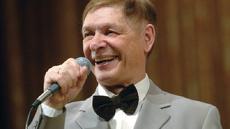 Cкончался в больнице певец Эдуард Хиль