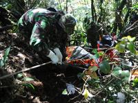 На месте катастрофы SSJ-100 найдены тела российских пилотов