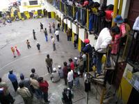 В Боливии 29 человек погибли в ходе тюремных разборок