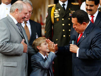 Лукашенко представил Уго Чавесу своего семилетнего преемника