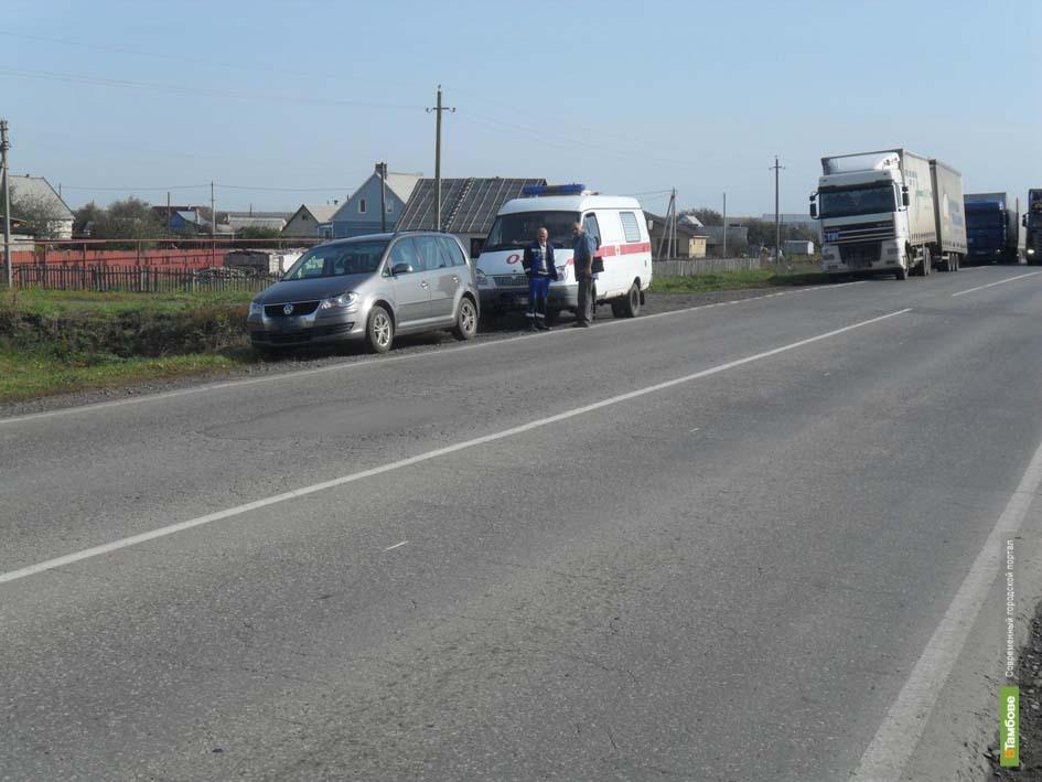 Под Тамбовом иномарка столкнулась с грузовиком