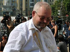 Главного археолога Москвы хулиганы закидали яйцами