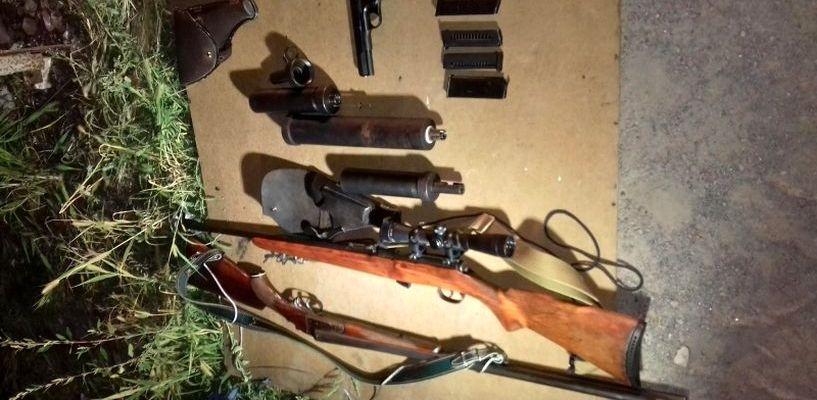 В гараже тамбовчанина полиция нашла целый арсенал оружия