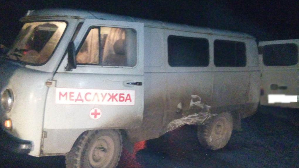 В Знаменском районе легковушка врезалась в «буханку» скорой помощи