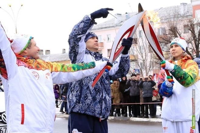 Часть тамбовчан, несших Олимпийский огонь, выкупили свои факелы