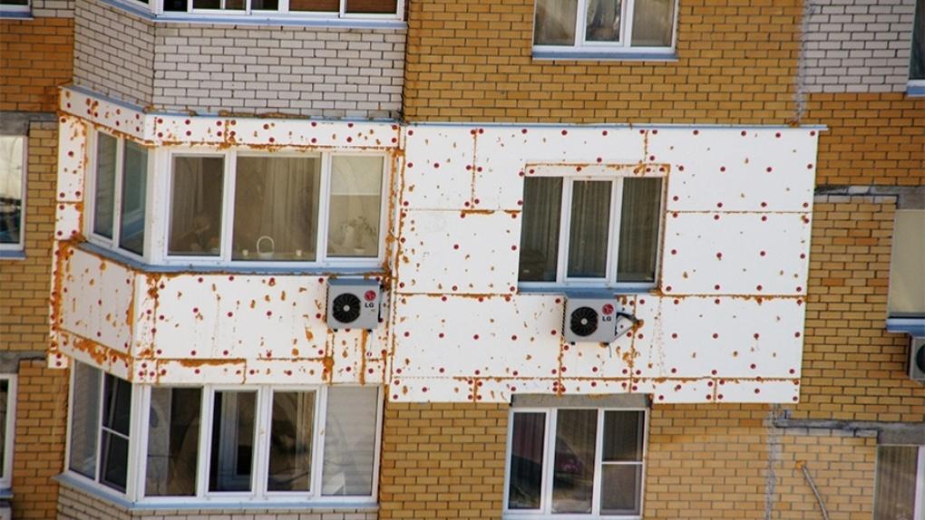 «Мне так лучше»: законно ли «уродовать» утеплением фасады домов в Тамбове?