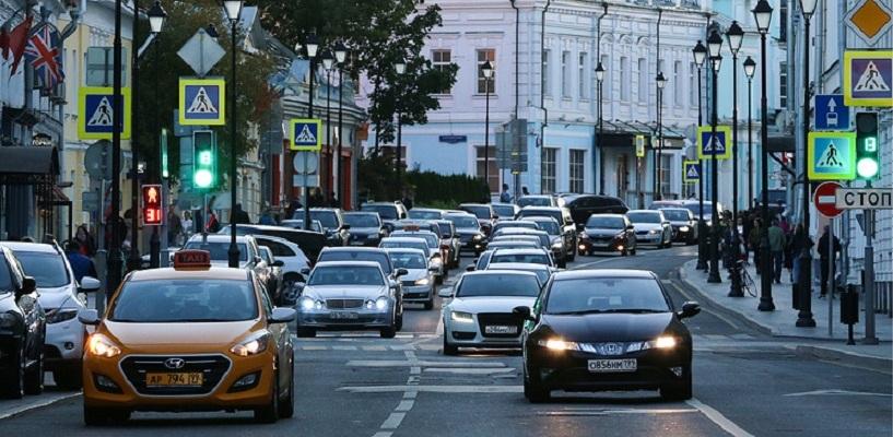 Водителей в России хотят разделить на любителей и профессионалов