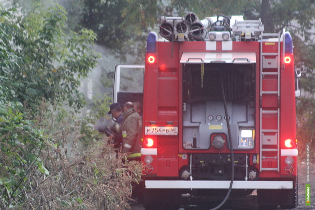 Тамбовских пожарных подняло на ноги горящее одеяло