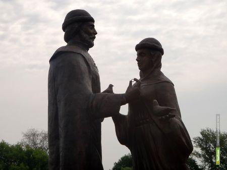 """На тамбовской набережной """"поселились"""" православные святые"""