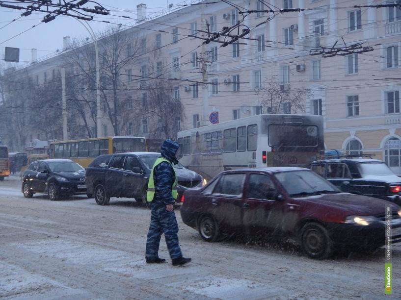 Утро в Тамбове началось с транспортного коллапса