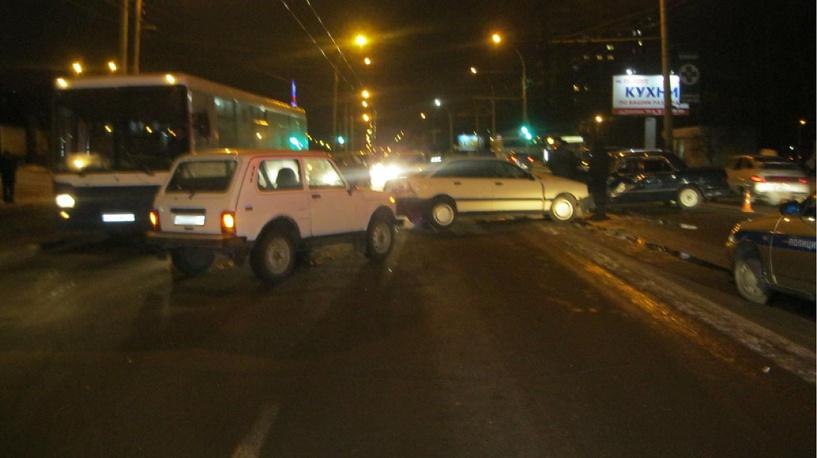 На севере Тамбова столкнулись три авто