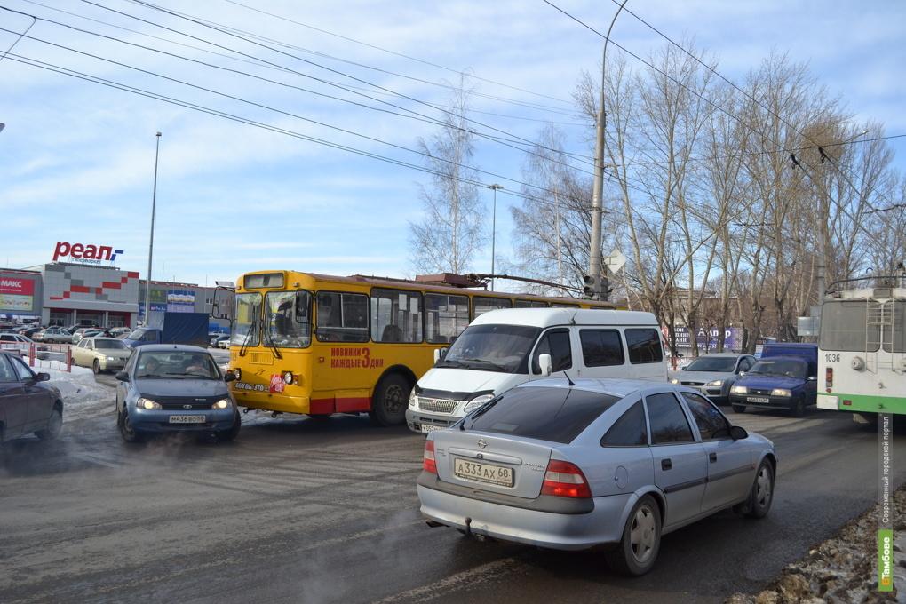 Тамбовские автоинспекторы призывают водителей к осторожности