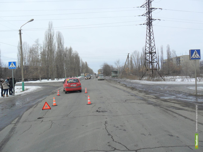 В Тамбовской области иномарка сбила двух школьниц