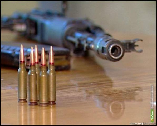 Тамбовчане добровольно сдают оружие полицейским
