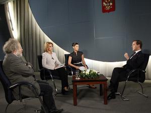 Дмитрий Медведев хочет отдать Саакашвили под трибунал