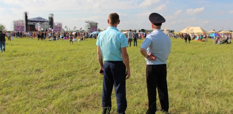 Мирно, но громко: рок-фестиваль прошёл без происшествий