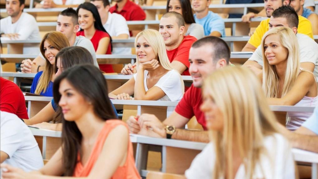 На три года в другой город? Больше трети студентов готовы работать по распределению после вуза