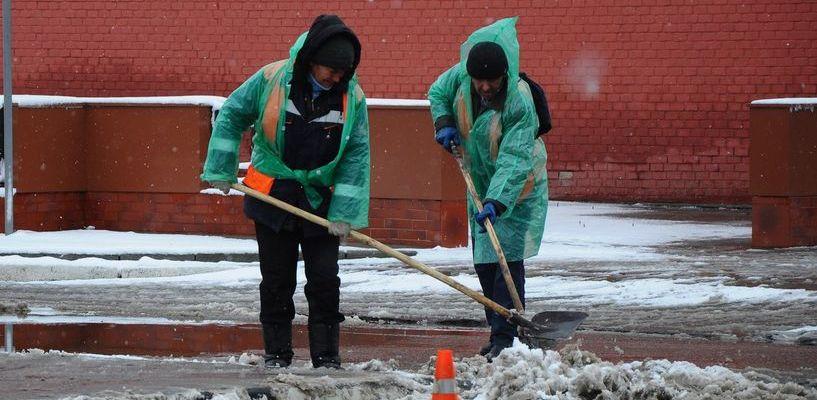 В Тамбове на смену вышли снегоуборщики
