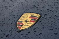 Мокрое дело: фестивалим на Porsche по формульной трассе