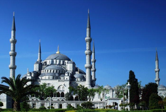Турция временно отменила поправки к правилам безвизового въезда в страну