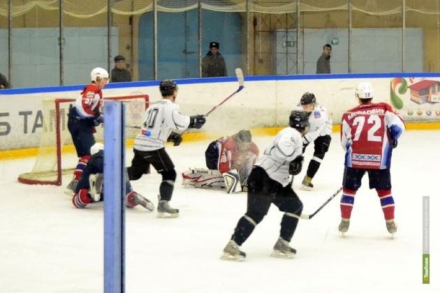 Тамбовские хоккеисты готовятся к закрытию сезона