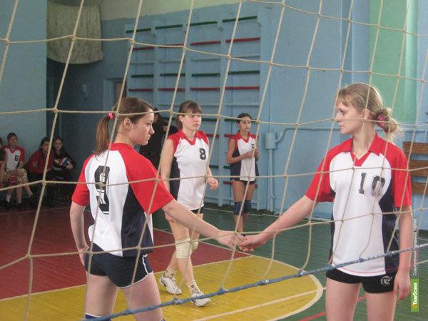 Тамбовские волейболистки «сделали» соседние регионы