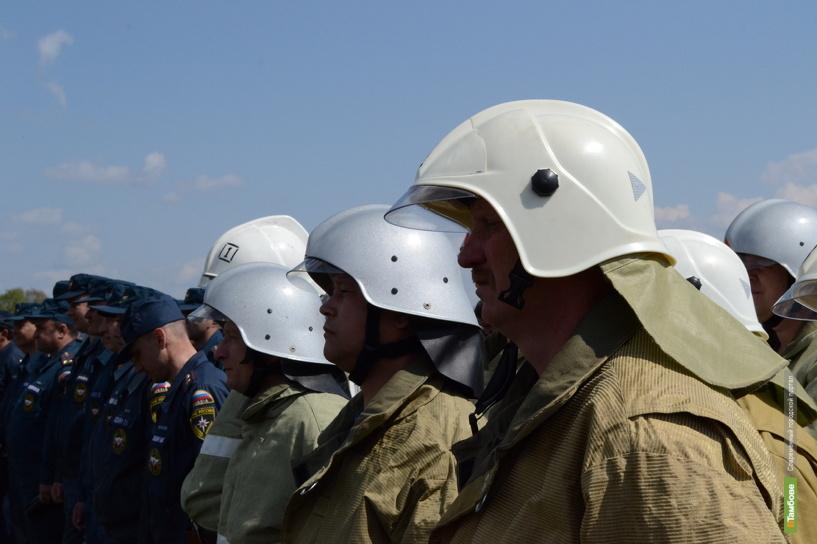Добровольная пожарная дружина потушила возгорание в Знаменском районе