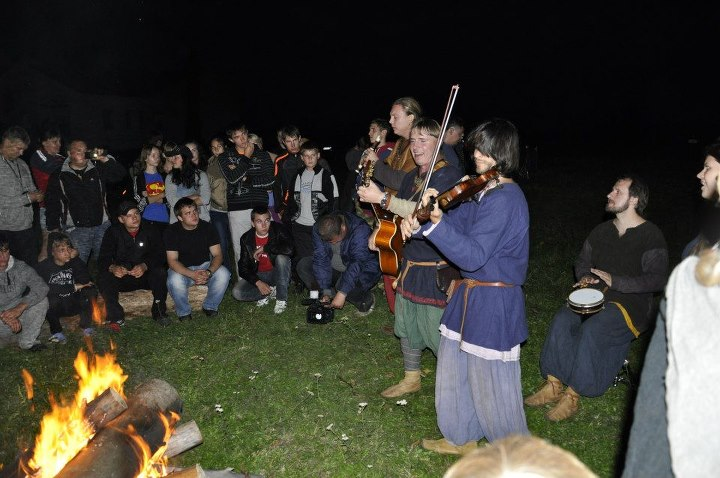 Фолк-рок группа «Сколот» поддержит Атмановские кулачки