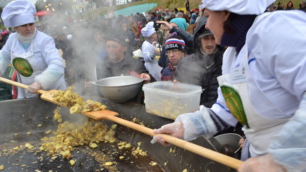 Тамбовчане просят готовить больше бесплатной еды на Покровской ярмарке